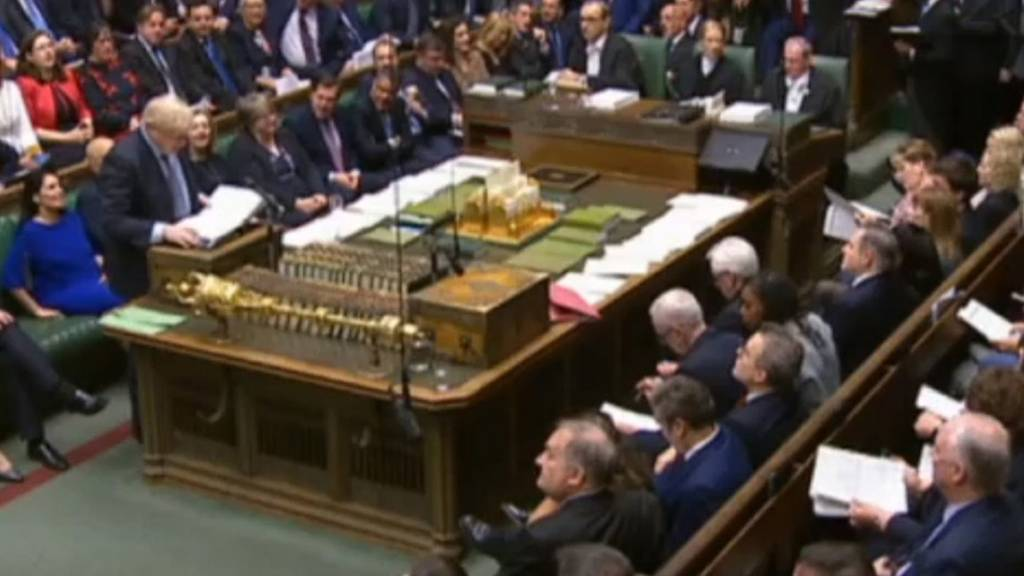 UK MPs back Brexit extension amendment