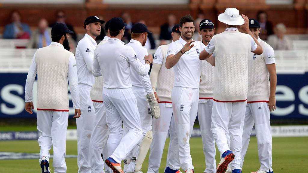James Anderson celebrates removing Kaushal Silva