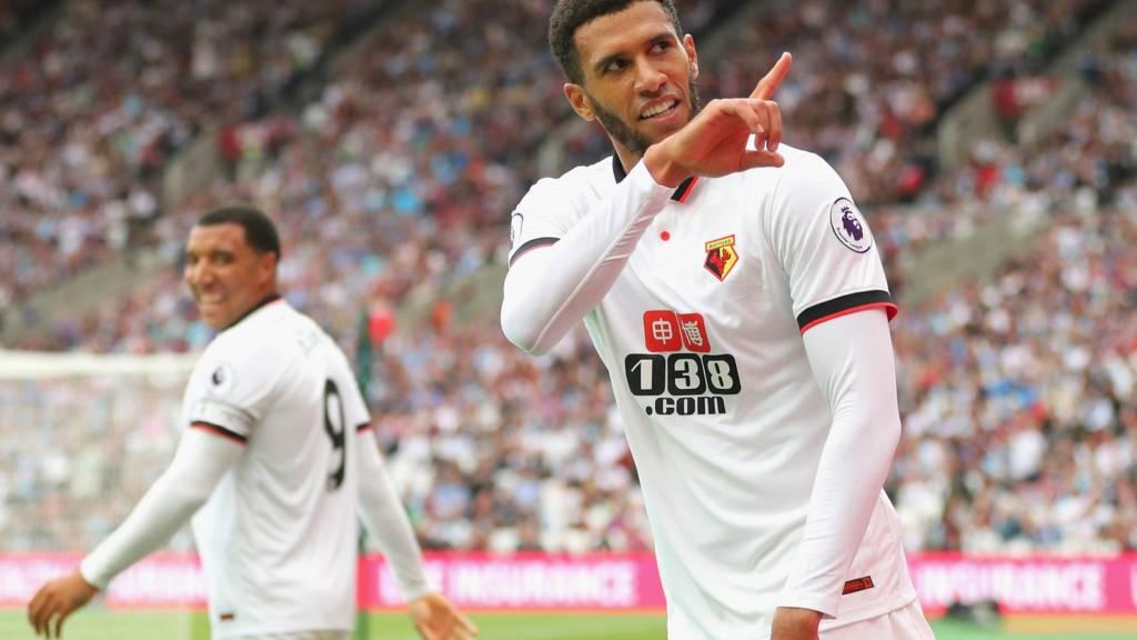 Etienne Capoue celebrates