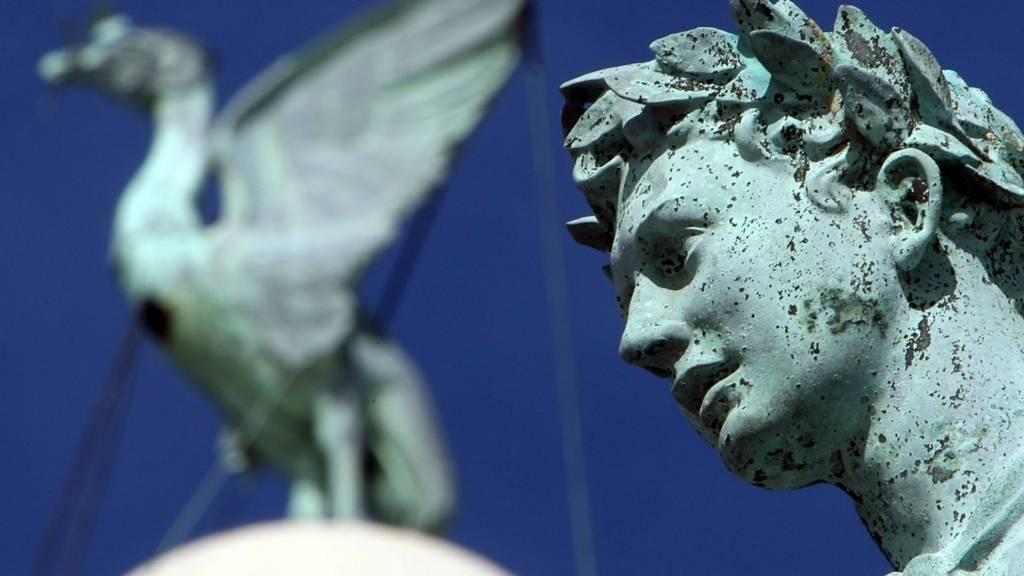 Liverpool statues
