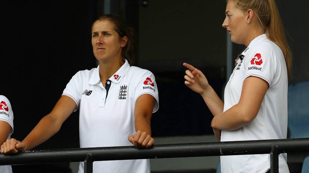 Jenny Gunn and Sophie Ecclestone