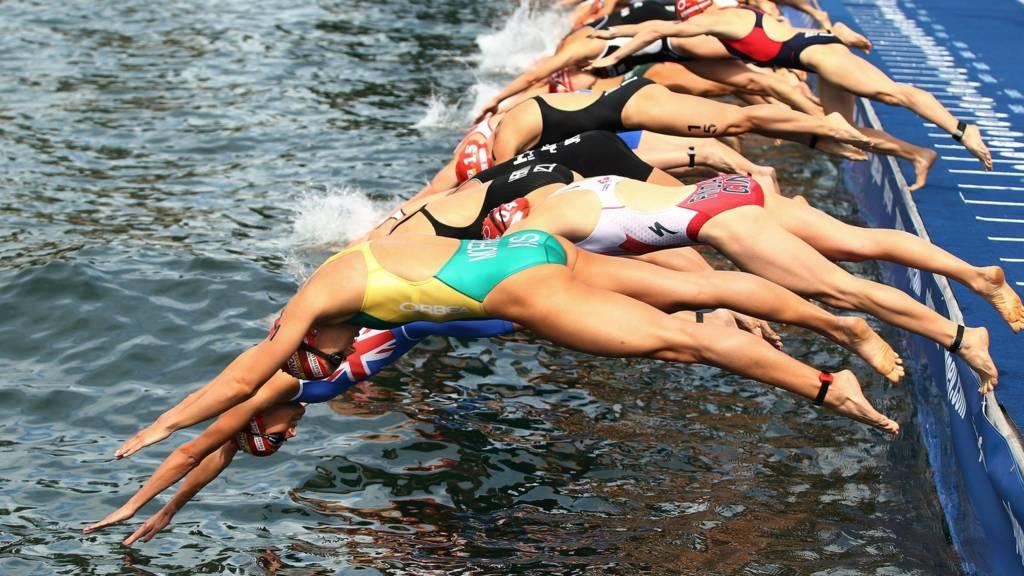 Elite women's swim start