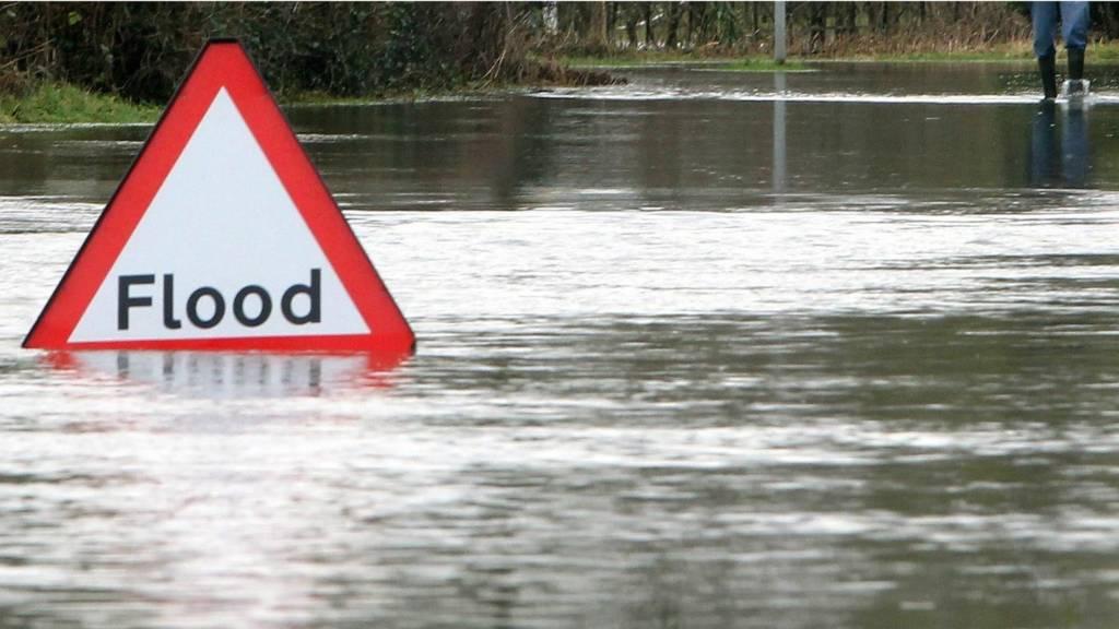 Flood sign and flood