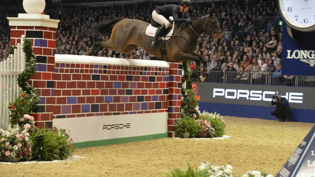 Watch Olympia Horse Show Puissance Who Can Defeat The