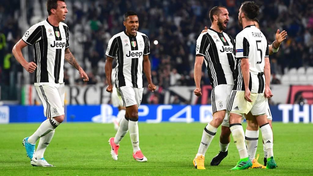 Giorgio Chiellini scores for Juventus