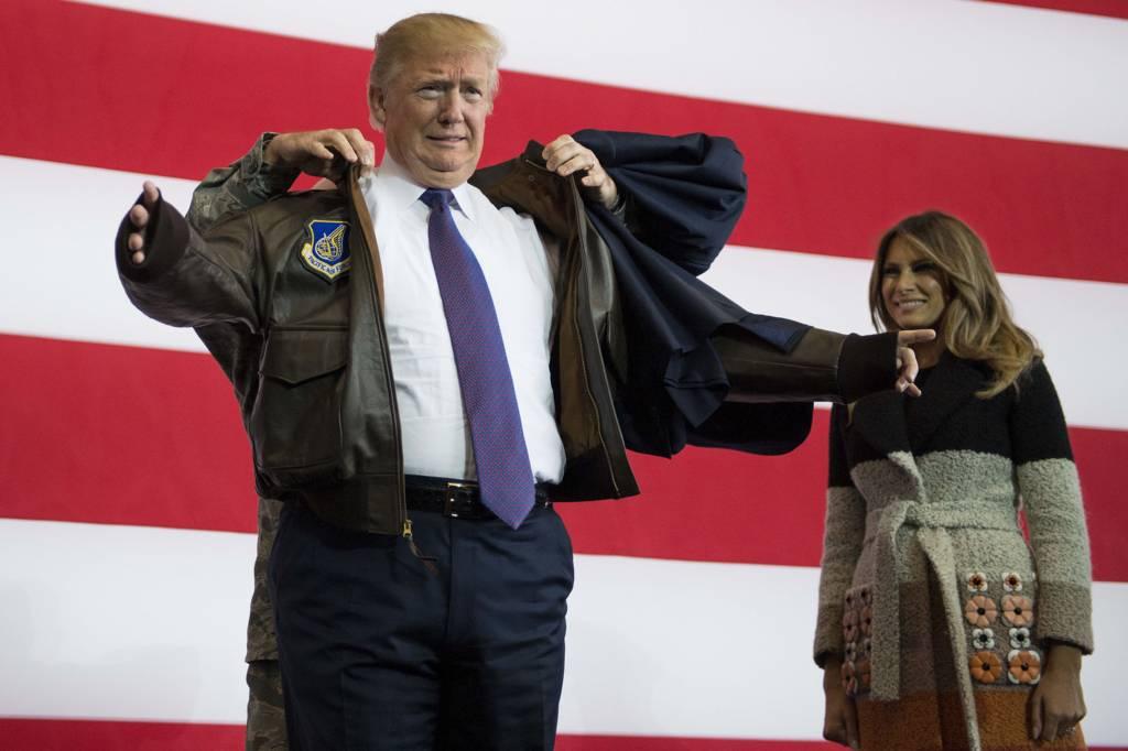 ترامب في اليابان مع زوجته ميلانيا
