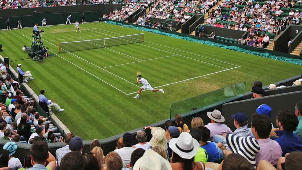 Wimbledon 2017: Angelique Kerber, Muguruza advance to second round