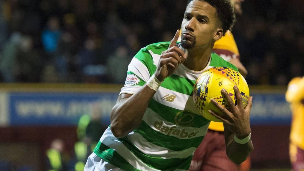 Celtic's Scott Sinclair celebrates his equaliser