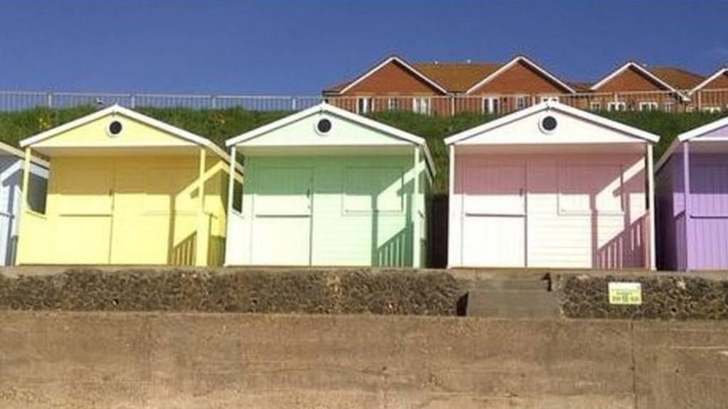 clacton beach huts