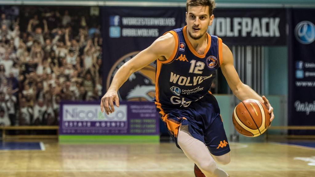 Elvisi Dusha of Worcester Wolves