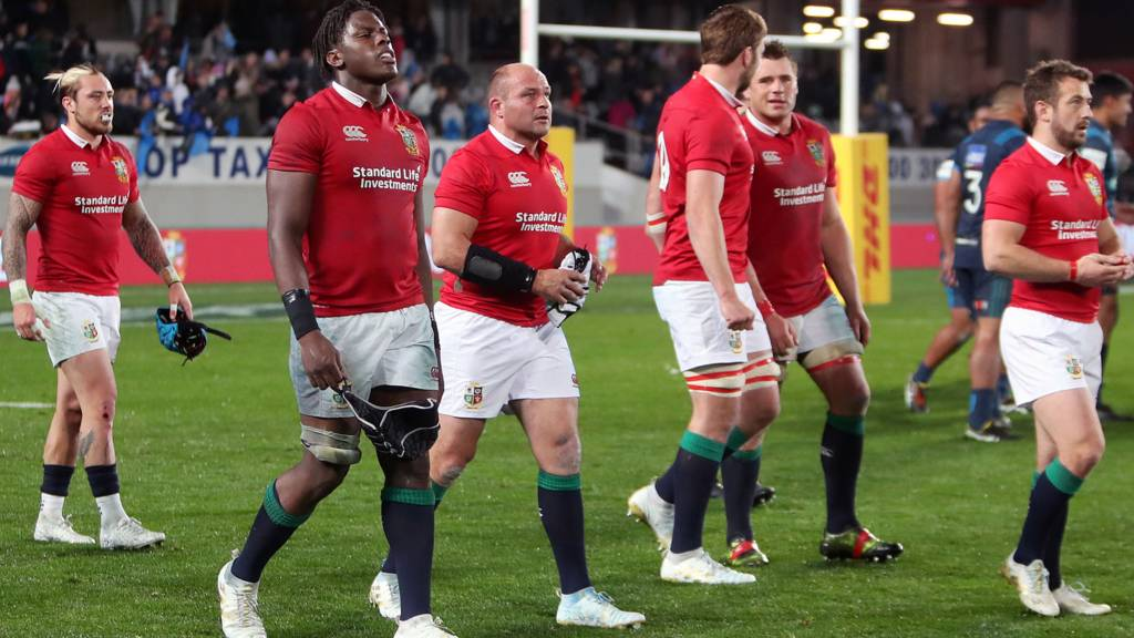 Lions players look dejected