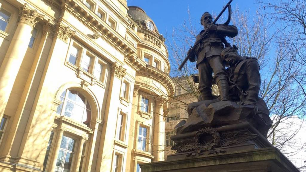 Statue in Manchester