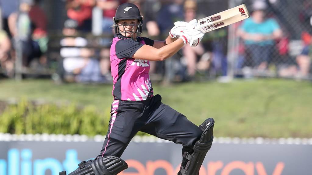 Suzie Bates of New Zealand