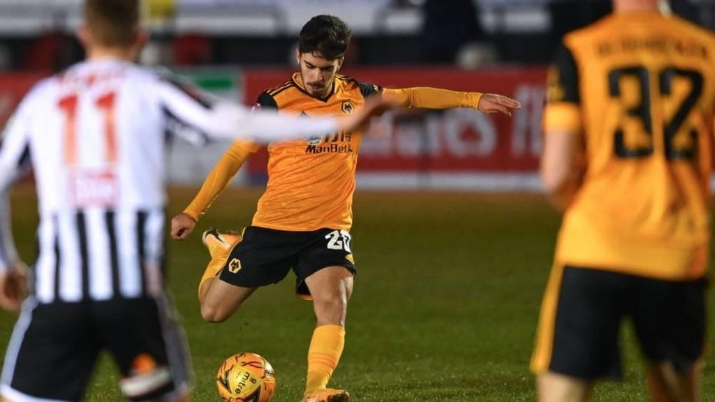 Vitinha scores for Wolves