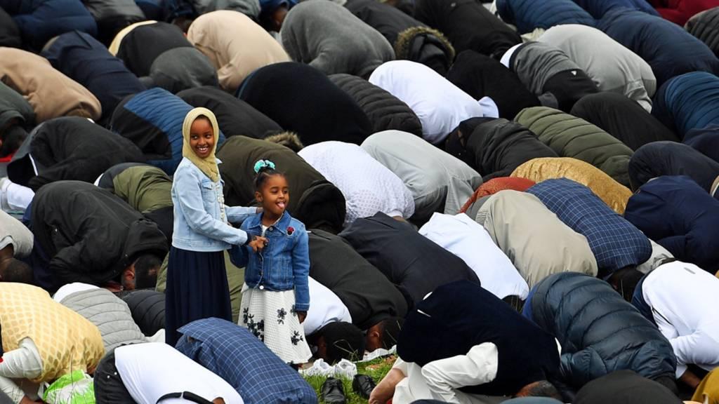 140К мусульман пришли на молитву