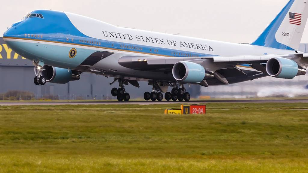 President Obama leaving Stansted Airport