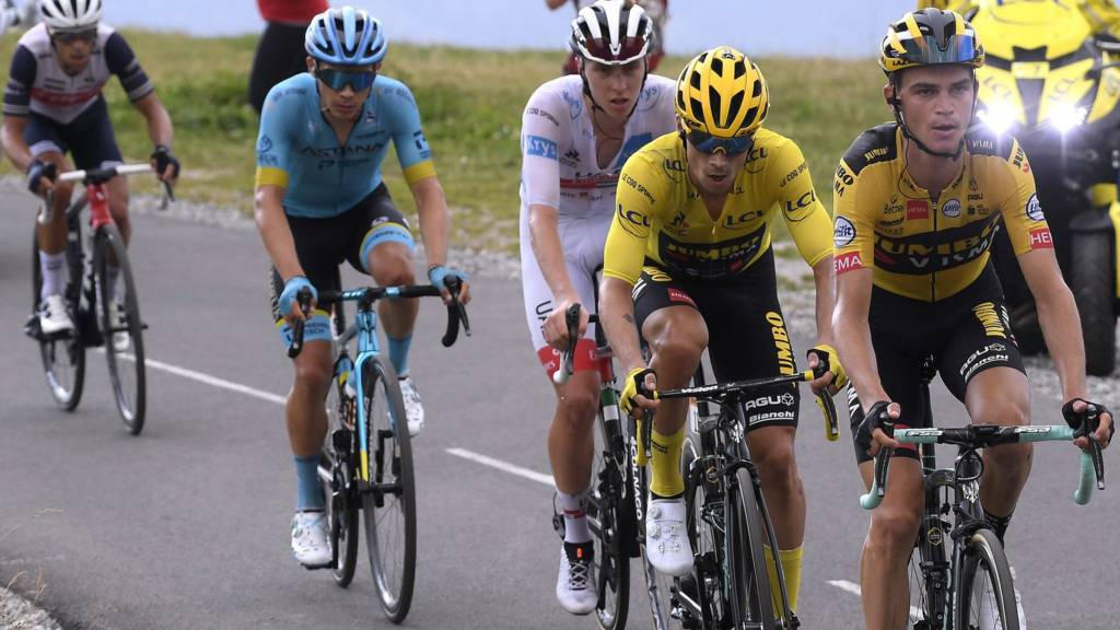 Primoz Roglic and the other GC contenders on stage 17