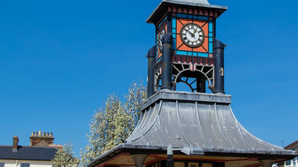 Dunstable clock