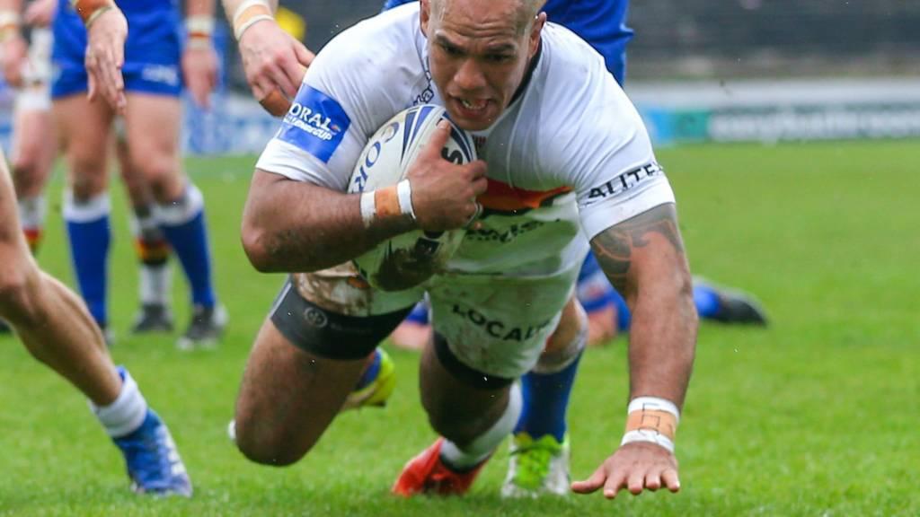 Bradford's Jake Webster scores a try