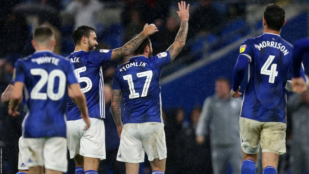 Cardiff City celebrate Lee Tomlin's late equaliser