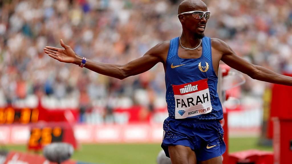 Mo Farah celebrates winning