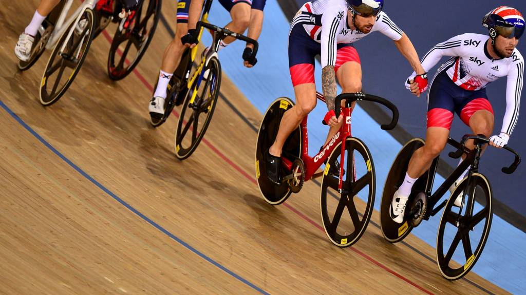 Bradley Wiggins and Mark Cavendish compete in madison