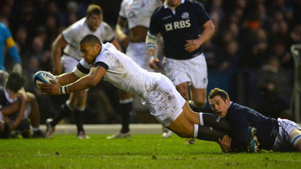 Luther Burrell stretches over for a try