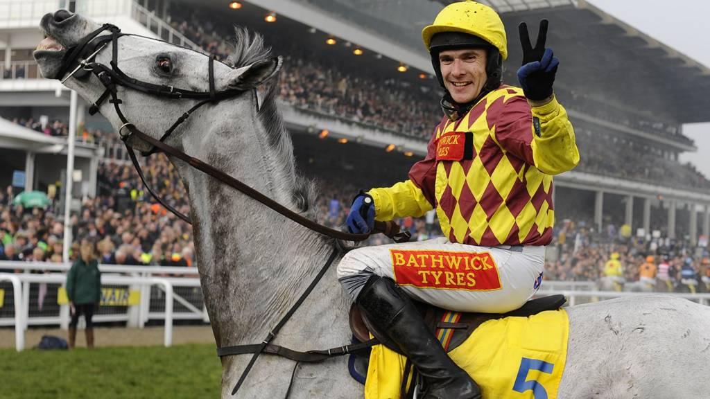 Tom Scudamore riding Dynaste