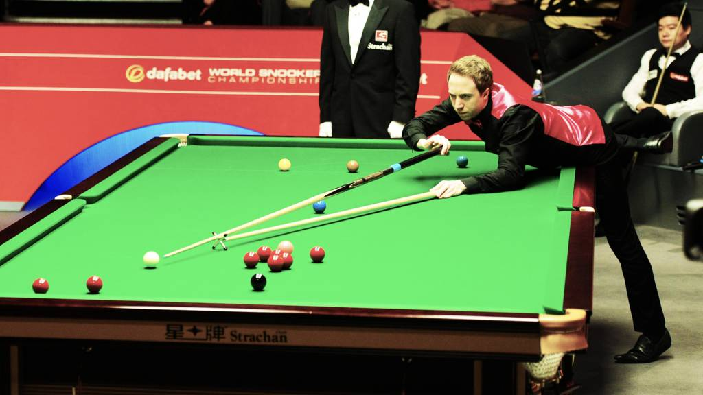 Michael Wasley at the table against Ding Junhui