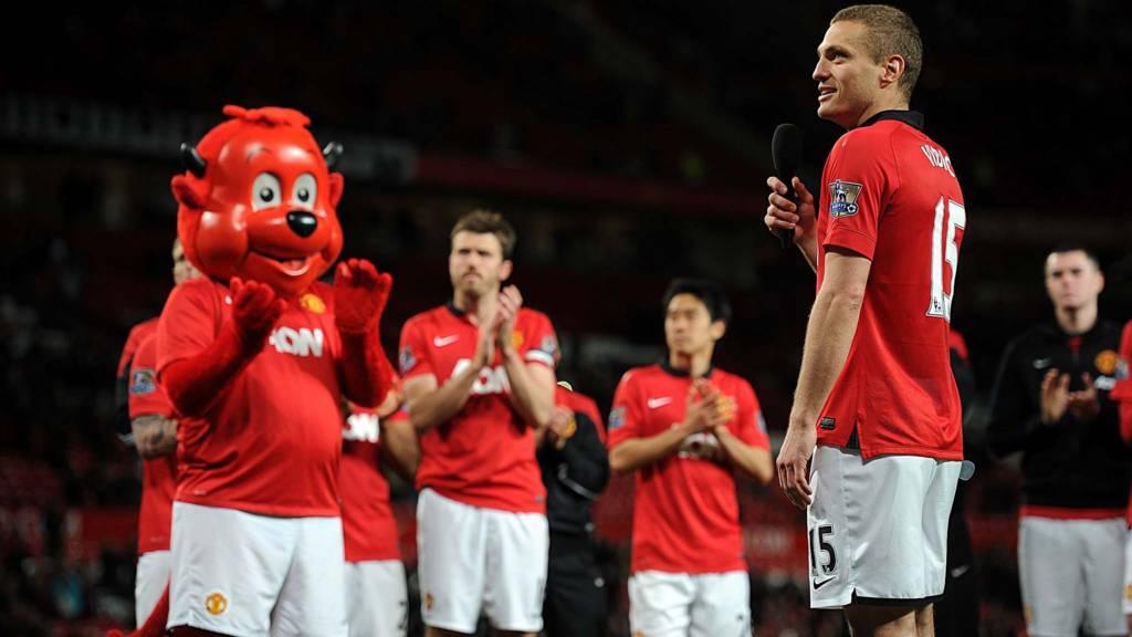 Manchester United's Nemanja Vidic speaks to the fans