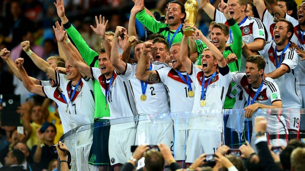 German captain Philip Lahm lifts the World Cup