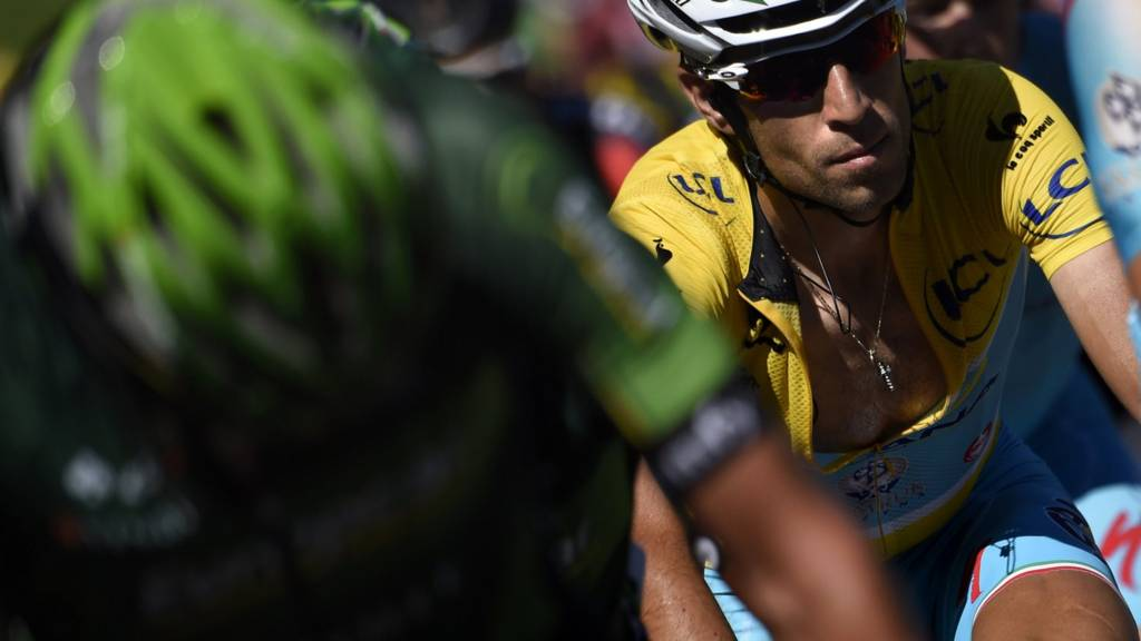 Vincenzo Nibali in the yellow jersey