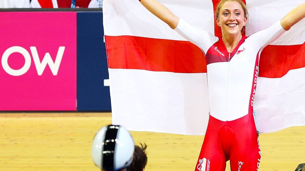 Laura Trott of England wins the points race