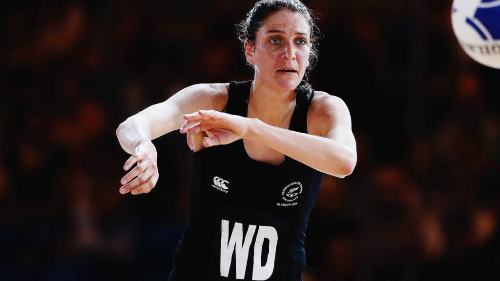 New Zealand's Anna Harrison passes the ball