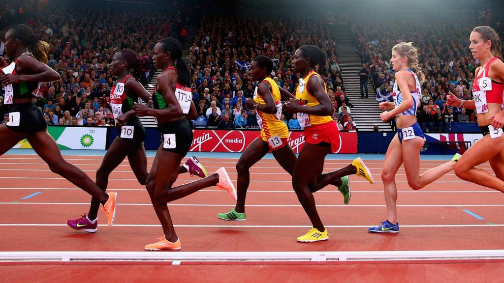 Athletes running the 10,000m at the Commonwealth Games