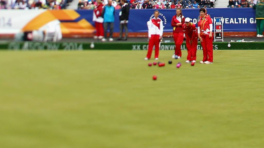 England's women compete in the lawn bowls