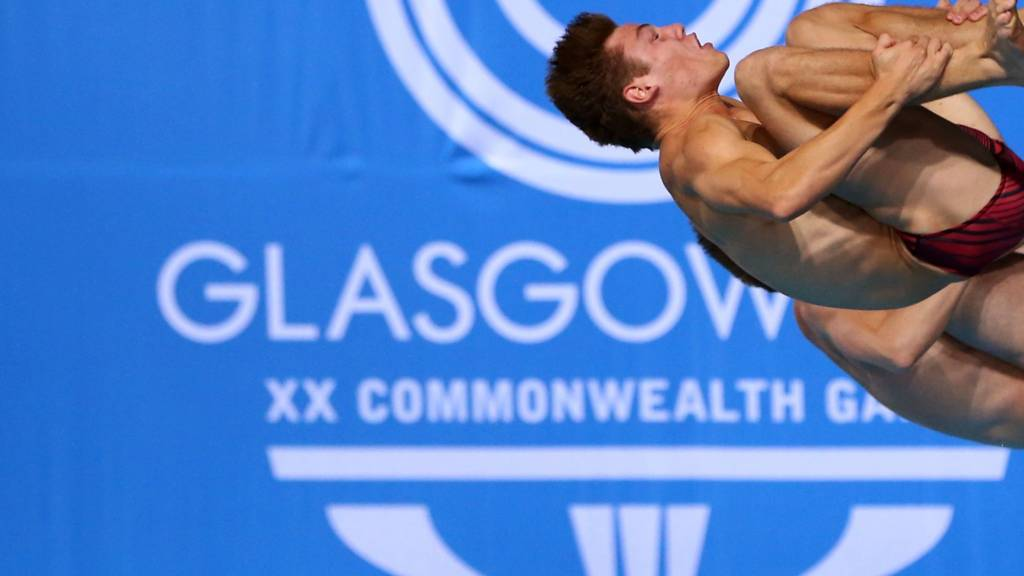 Tom Daley dives at Glasgow 2014