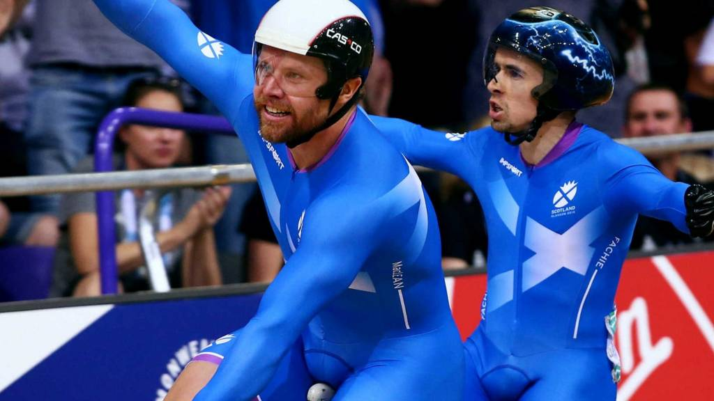 Neil Fachie wins gold for Scotland