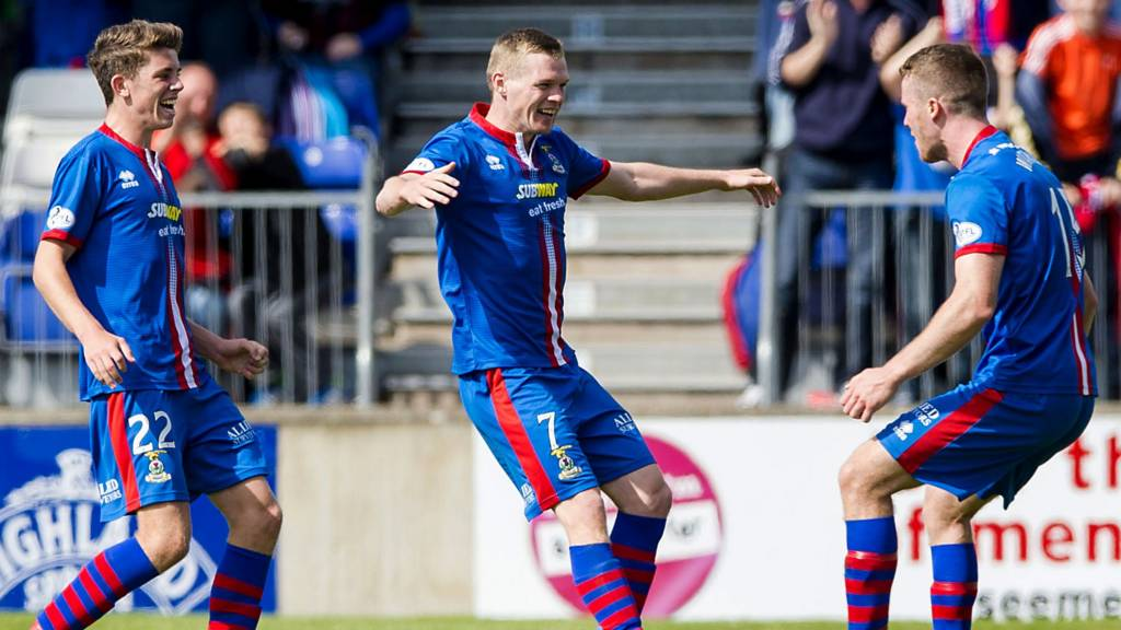 Inverness stay top of the league with a 1-0 win at home to Celtic