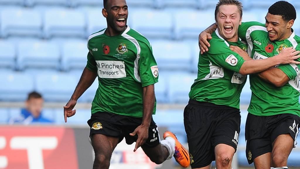 Sean Geddes celebrates for Worcester