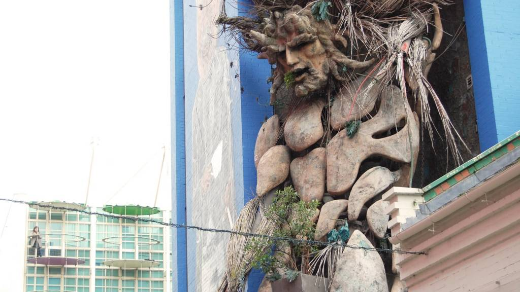 Birmingham: Giant Green Man at Custard Factory, Digbeth