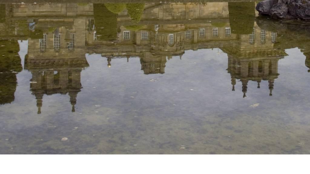 Reflection of Blenheim Palace