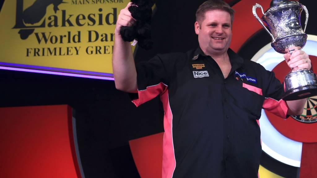 Scott Mitchell celebrates winning the BDO World Darts Championship