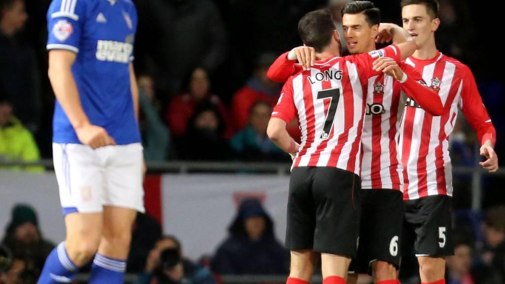 Shane Long celebrates for Southampton