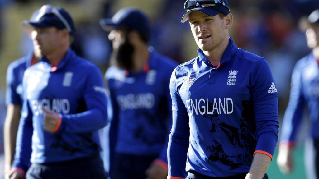 Eoin Morgan looks dejected
