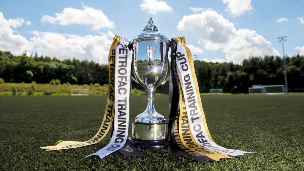 The Scottish Challenge Cup trophy