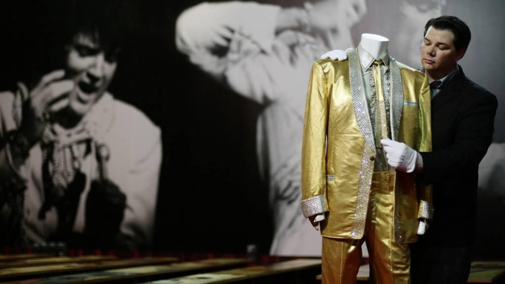 Elvis' gold suit