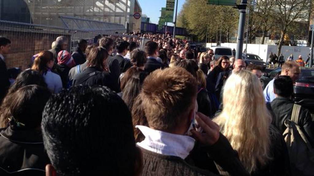 Central Line queues