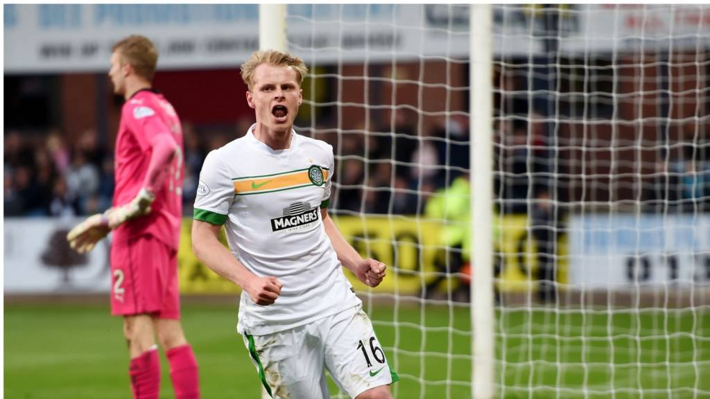 Gary Mackay-Steven celebrates for Celtic