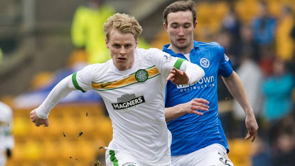 Gary Mackay-Steven playing for Celtic against St Johnstone